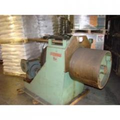 Coiler with Hydraulic Pull Out