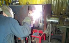Maintain and repair trailers, loaders,